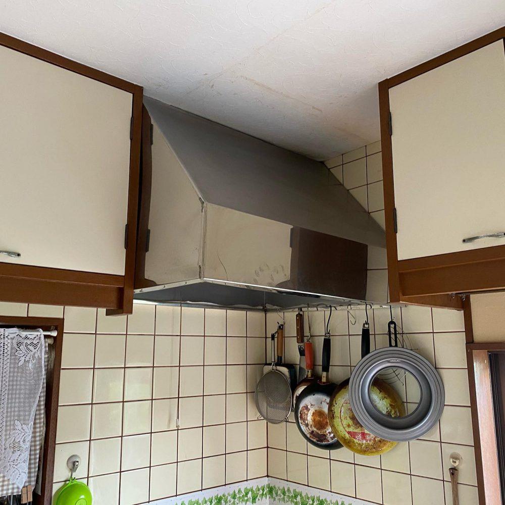 ☆キッチン交換工事☆システムキッチンへ交換しました。ウッドワンのキッチンです。扉は、無垢板で木の温かみがたくさん感じられます♪#設備#水道#リフォーム#水回り#町の設備屋さん#ガス給湯器#石油給湯器#エコキュート#給湯器交換工事#秩父市水回りの事なら当社へお気軽にご相談下さいhttp://iino-shoten.com